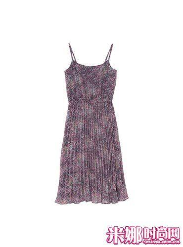 多层褶皱&及膝长的强调纵身线条连衣裙。