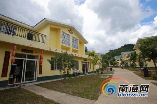自2010年建设文明生态村以来,罗帅村农民通过经营家庭旅馆和在公司从事旅游服务工作,2012年人均纯收入达到6587元。(南海网记者张茂摄)