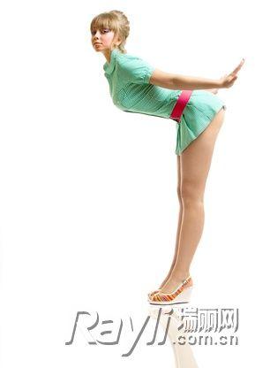 10利用服饰修饰腹部以及腰部的线条
