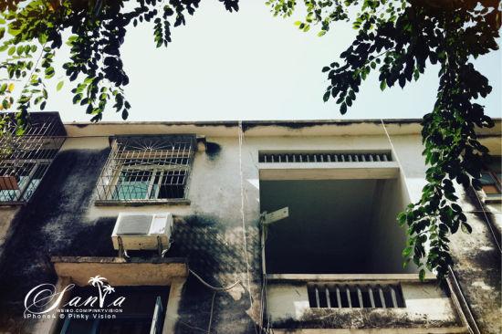 三亚城里的一些老楼,斑驳得很有岁月的味道。