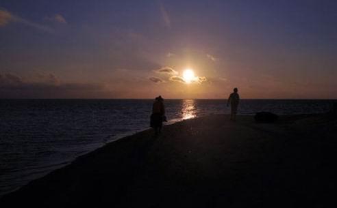 太阳初升(庄斐 摄)