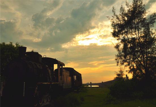 南港附近的老火车皮