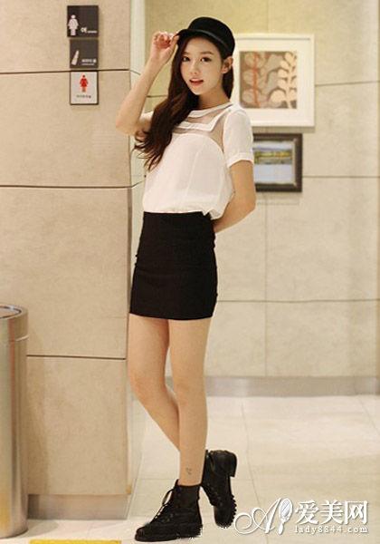白镂空上衣+黑包臀裙
