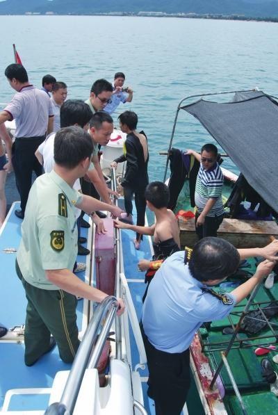 潜水游客被安全转移