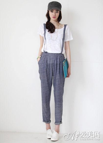 白色衬衫+棉麻吊带哈伦裤