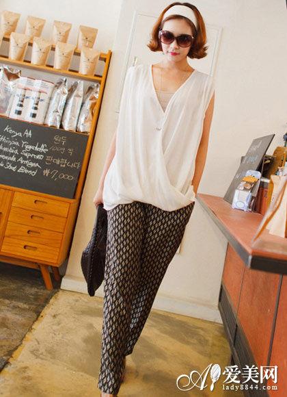 宽松不规则无袖衬衫+复古菱形图案哈伦裤