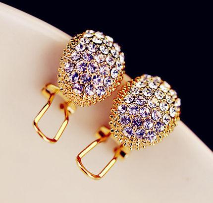 晶莹的质感,给人以非常时尚的浪漫风。