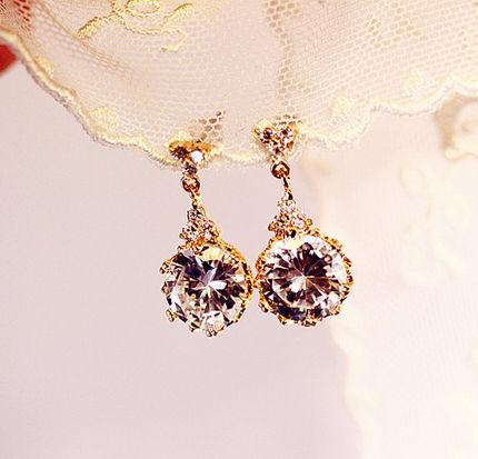 晶莹的质感,鲜明的色彩,浪漫奢华。