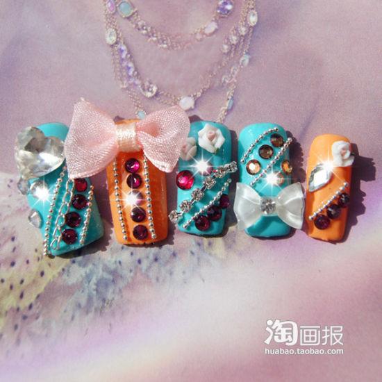 撞色系,有蝴蝶结也可以很可爱哦~蓝色和粉色的搭配很不错。