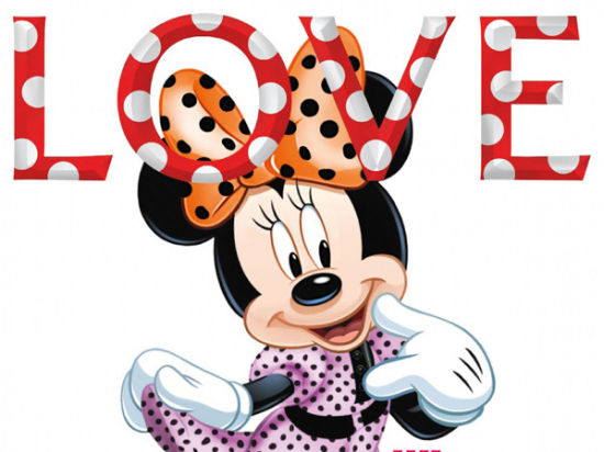 时尚杂志《Love》五周年米妮成为封面女郎