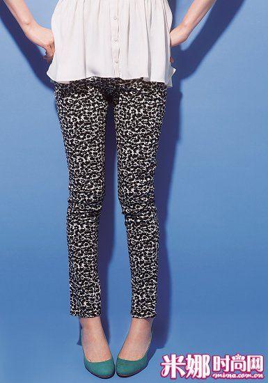 樱桃图案紧身裤 /Ciaopanic 罩衫 /LOWRYS FARM 彩色女鞋 /FREAK'S STORE