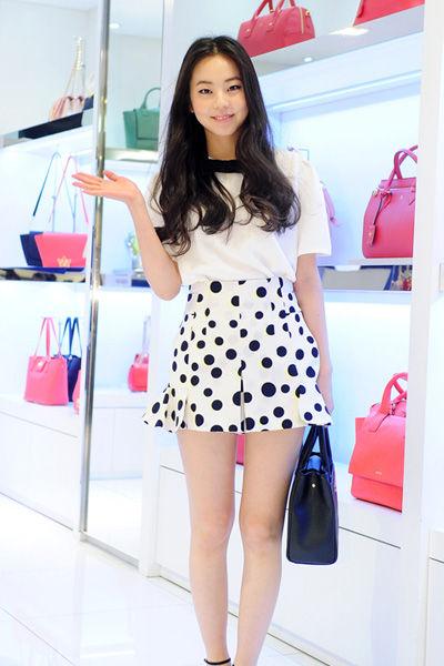 秋装高腰裙造型搭配示范6:Wonder Girls—昭熙
