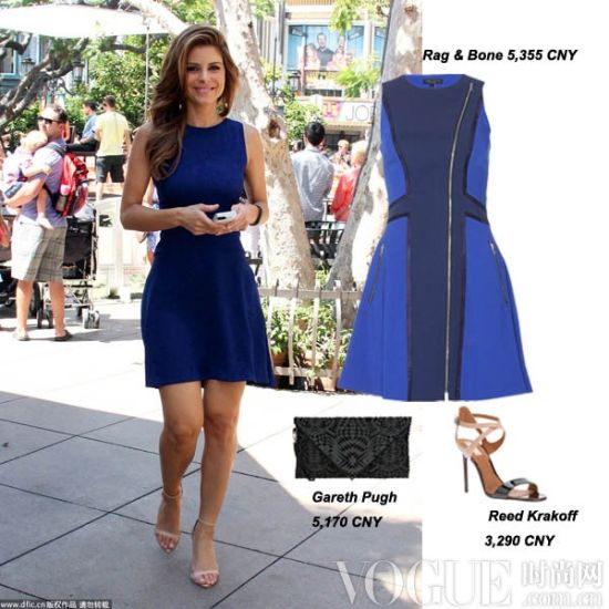 Maria Menounos 一身精心打扮出现在洛杉矶,修身的无袖蓝色短裙多了几分俏皮。