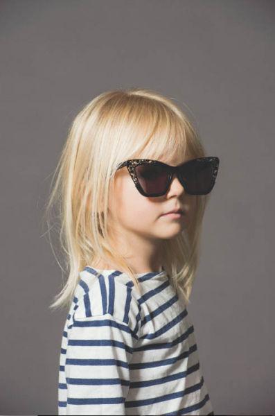 萌趣小朋友演绎Karen Walker最新眼镜广告