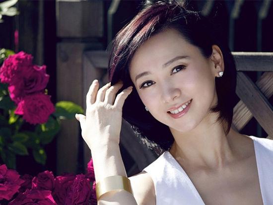 辣妈翁虹人比花美似少女