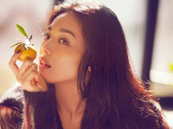 舒淇《红秀》12月封面大片