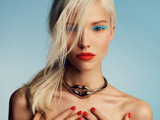 金发超模萨沙半裸秀性感登俄罗斯版《VOGUE》
