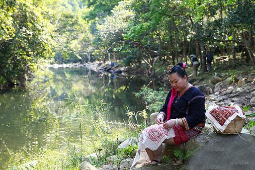美女峰山翠水清,小河潺潺,是户外游爱好者的心仪之地。南海网记者 徐开飞 摄