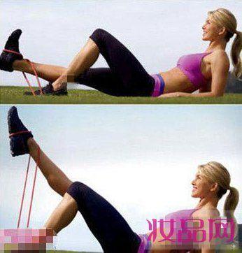 美女教练示范减肥操