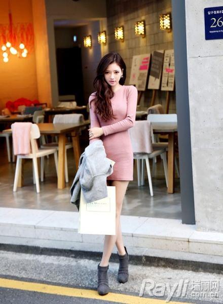 时尚针织连衣裙搭配