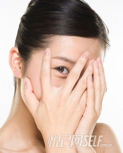 """一、减少胶原蛋白流失,防止""""眼角纹"""""""