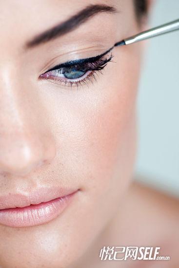 眼线膏:百变妆效