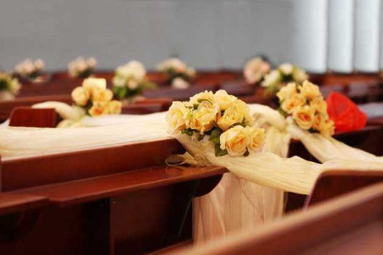 3、婚礼花材和场地布置