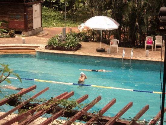 海口小区游泳池是否对外开放