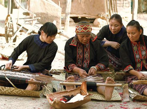 黎族传统纺染织绣技艺