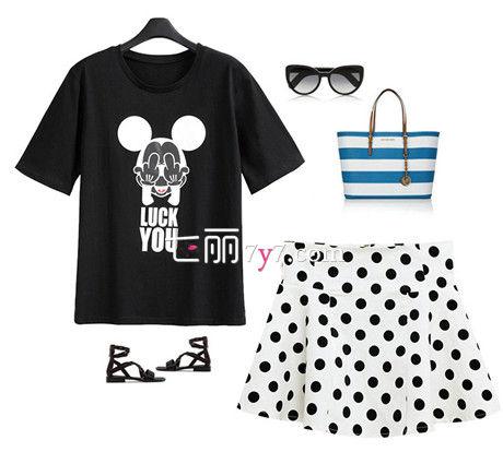 米老鼠短袖T恤+黑白波点短裙+墨镜+凉鞋+手提包包