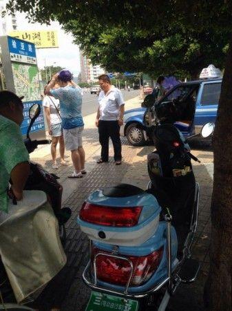 三亚市交通局相关负责人表示,三亚出租车队伍庞大,司机素质有待提高
