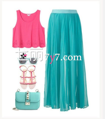 粉色背心+半身长裙