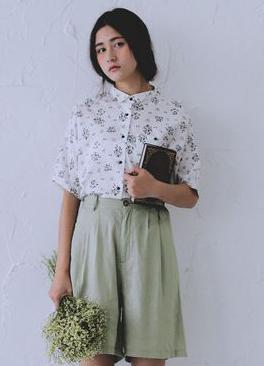 夏装短裤搭配LOOK3