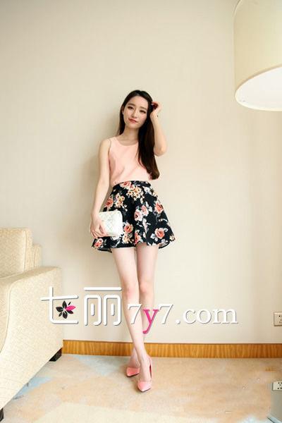 夏日甜心风 碎花裙LOOK3