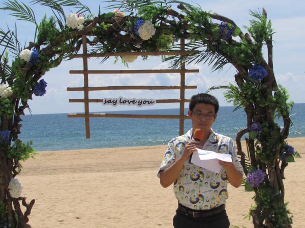 陵水旅游发展委员会副主任谭丰在启动仪式上致辞