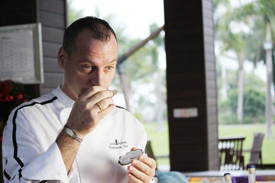 三亚亚龙湾瑞吉宴悦餐厅带您品世界知名生蚝