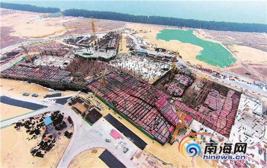 低空航拍海棠湾亚特兰蒂斯项目工地现场